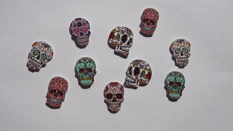 guziki czaszki